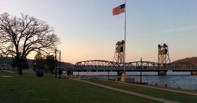 Stillwater-Lift-Bridge-spring-2016