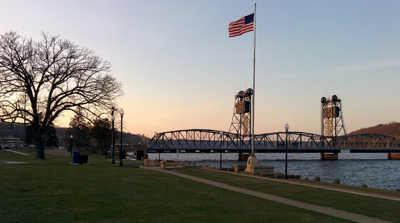 Stillwater-Lift-Bridge-spring-2016
